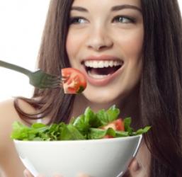 อาหาร 10 ชนิดที่เป็นประโยชน์ต่อเส้นผม